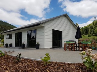 Birchgrove cottages - 2 br Executive - Whangarei vacation rentals