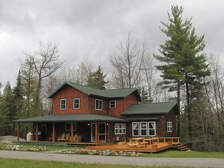 Beaver Creek Lodge - Romantic and Secluded with hot tub near Whiteface Skiing - Wilmington vacation rentals