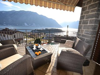 Bright Apartment in Ossuccio with Wireless Internet, sleeps 4 - Ossuccio vacation rentals