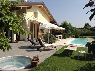Nice Bed and Breakfast with Internet Access and Shared Outdoor Pool - Raffa vacation rentals