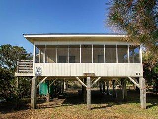 Cozy 3 bedroom Vacation Rental in Oak Island - Oak Island vacation rentals