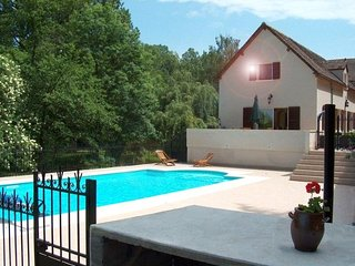 3 bedroom House with Internet Access in Saint-Hilaire-sur-Benaize - Saint-Hilaire-sur-Benaize vacation rentals
