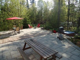 The Barracks: spacious cottage in Lac Sergent, Qc - Quebec City vacation rentals