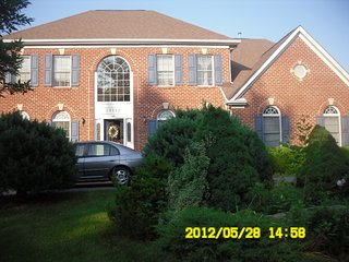 Bright Lovely House 3 Bedrooms 2.5 Bath, Great Location to Shopping, Restaurants - North Potomac vacation rentals