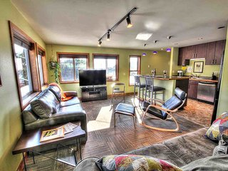 Ona's Perch in the Heart of Yachats! FREE NIGHT! - Yachats vacation rentals