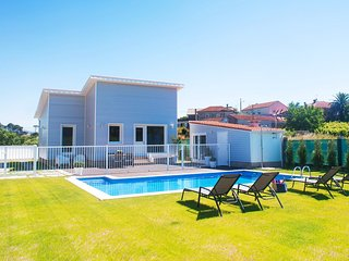 262 Beautiful cottage with pool near the coast - Pontevedra vacation rentals