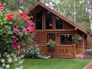 Beautiful Remodeled Cabin near Glacier National Park - West Glacier vacation rentals