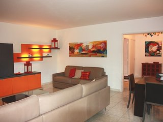 Cannes centre - pool, terrace, parking, 10 min from beaches - Cannes vacation rentals