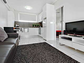 1BR Deluxe Apartment - Sussex St, North Adelaide - 2 - Adelaide vacation rentals