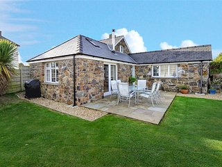 Bright Cottage with Internet Access and Television - Llanengan vacation rentals