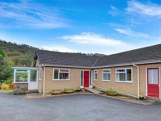Lovely 3 bedroom Cottage in Trefeglwys with Washing Machine - Trefeglwys vacation rentals