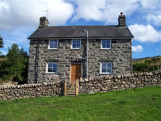3 bedroom Cottage with Internet Access in Penmaenpool - Penmaenpool vacation rentals