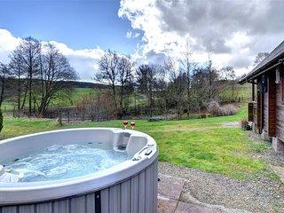 Perfect 2 bedroom Llangunllo Cottage with Hot Tub - Llangunllo vacation rentals