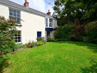 Bright 4 bedroom Cottage in Manorbier with Internet Access - Manorbier vacation rentals
