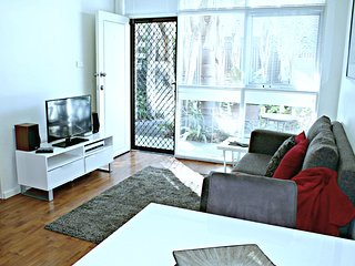 1 BR Apartment - Sussex St, North Adelaide - 2 - Adelaide vacation rentals