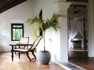Agwe - 5 minutes to the beach, antique house, ensuite rooms nr Galle & Hikkaduwa - Dodanduwa vacation rentals