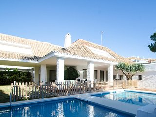 A Modern Style Villa 3 in Puerto Banus for Short Term Rent! - Puerto José Banús vacation rentals