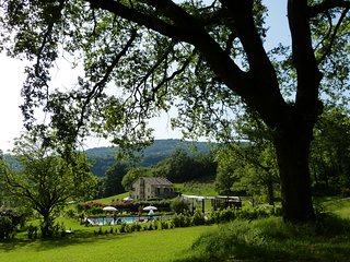 OSMANTUS-Cerqua Rosara Residence a nice apartment in villa with pool near Assisi - Valtopina vacation rentals