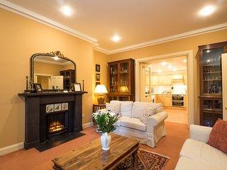 Drumsheugh Gardens Apartment - Edinburgh vacation rentals