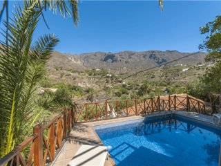 Holiday cottage with private pool in San Bartolome - 1 - Chilanga vacation rentals