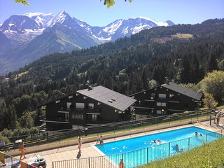 Appartement Saint-Gervais face Mont Blanc piscine, tennis et WiFfi - Saint-Nicolas-de-Veroce vacation rentals