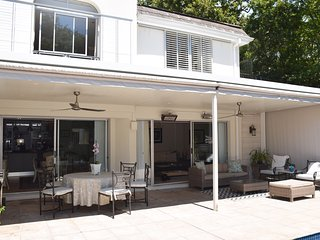 Nice Townhouse with Internet Access and Satellite Or Cable TV - Newlands vacation rentals