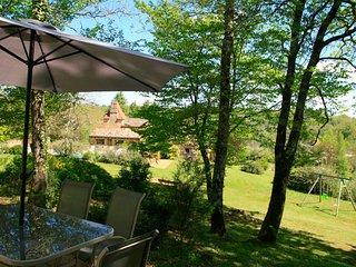 Domaine de Cournet Haut - 'Le Châtaignier' - Saint Pompon vacation rentals
