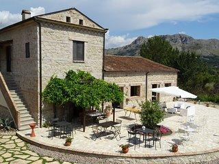 MONOLOCALE in  AGRITURISMO - AZALEA - Cassino vacation rentals