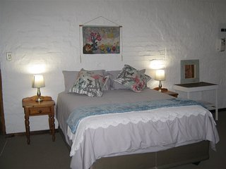 Rheola's Guest Cottage - Self-Catering 2 bedroom (both en suite) - Harrismith vacation rentals