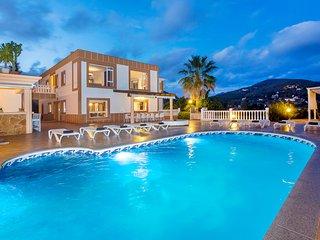 Villa Sol, near Playa d'en Bossa and Ibiza Town! Private Pool, Wifi and Aircon. - Ibiza vacation rentals