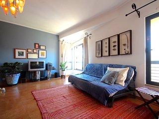 Cahow Apartment, Parque das Nações, Lisboa - Moscavide vacation rentals