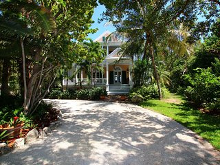 Charming House with Internet Access and Shared Outdoor Pool - Matecumbe Key vacation rentals
