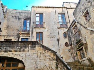 Casa Zappata -Gargallo dimora signorile con terrazzo centro storico di Ortigia - Syracuse vacation rentals
