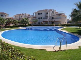 Nice Condo with Washing Machine and Shared Outdoor Pool - Alcala de Xivert vacation rentals