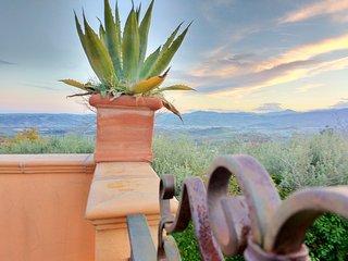 Casale Re di Coppe Red Flat-Soluzione per famiglie nella campagna Abruzzese - Lanciano vacation rentals