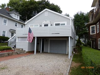 Beautiful New London Beach House with Views of Long Island Sound - New London vacation rentals