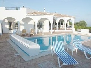 Monte das Figueiras; 4 spacious double bedrooms all with en-suite bathrooms. - Azinheiro vacation rentals