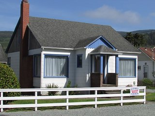 Breaker Avenue Beach House, Rockaway Beach - Rockaway Beach vacation rentals