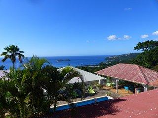 PARADIS CRÉOLE F2 Tortue  vue mer piscine réserve Cousteau - Bouillante vacation rentals
