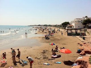 3mn from Sandy Beach large and sunny flat 80 sqm Town center with all services - Alcossebre vacation rentals