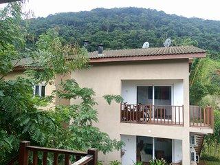 Casa em condomínio de charme perto da praia em Juqueí - Barra do Una vacation rentals
