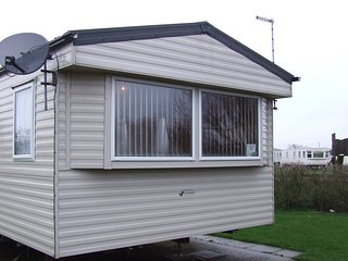 2 bedroom Caravan/mobile home with Television in Skipsea - Skipsea vacation rentals