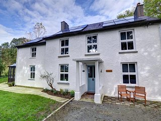 Spacious Cottage with Internet Access and Television - Llanfyrnach vacation rentals