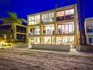 ON THE SAND 6br+5.5ba in heart of Mission Beach!!! - Pacific Beach vacation rentals