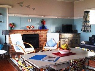 The Blue Cottage on Lake Rotorua - Ngongotaha vacation rentals