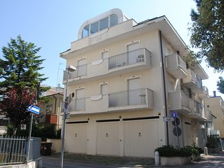 Cozy 2 bedroom Riccione Condo with Television - Riccione vacation rentals