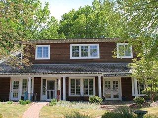 Charming 2 bedroom House in Glen Arbor with Internet Access - Glen Arbor vacation rentals