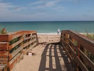 PRIVATE RM NEAR JENSEN BEACH : WEEKLY / DAILY RATE. - Port Saint Lucie vacation rentals