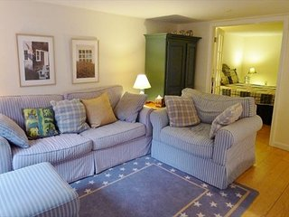 PET-FRIENDLY COTTAGE STYLE HOME- CLOSE TO SWIMMING POND - Harwich vacation rentals