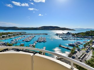 Exclusive Yacht Harbour Tower Luxury Sub Penthouse 10 - Hamilton Island vacation rentals